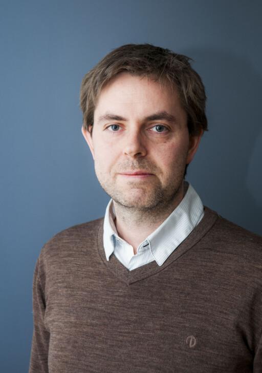 KJENT PROBLEM: Juridisk direktør Frode Elton Haug i Forbrukerombudet er dessverre godt kjent med at nordmenn lar seg lure av falske merkeklær. Foto: PER ERVLAND