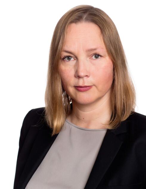 LIKER IKKE VOGA: Seniorrådgiver Hedvig Bengston i Patentstyret liker dårlig at det selges kopier av andres møbeldesign. Foto: PATENTSTYRET