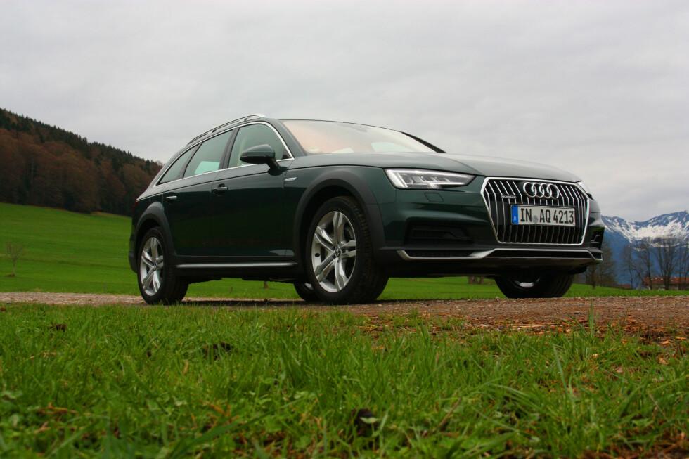 SJELDEN VARE: Verken BMW eller Mercedes har inntil videre noe tilsvar til Audis A4 Allroad. Nykommeren overbeviser på de fleste punkter - men spennende design er ikke dens styrke... Foto: KNUT MOBERG