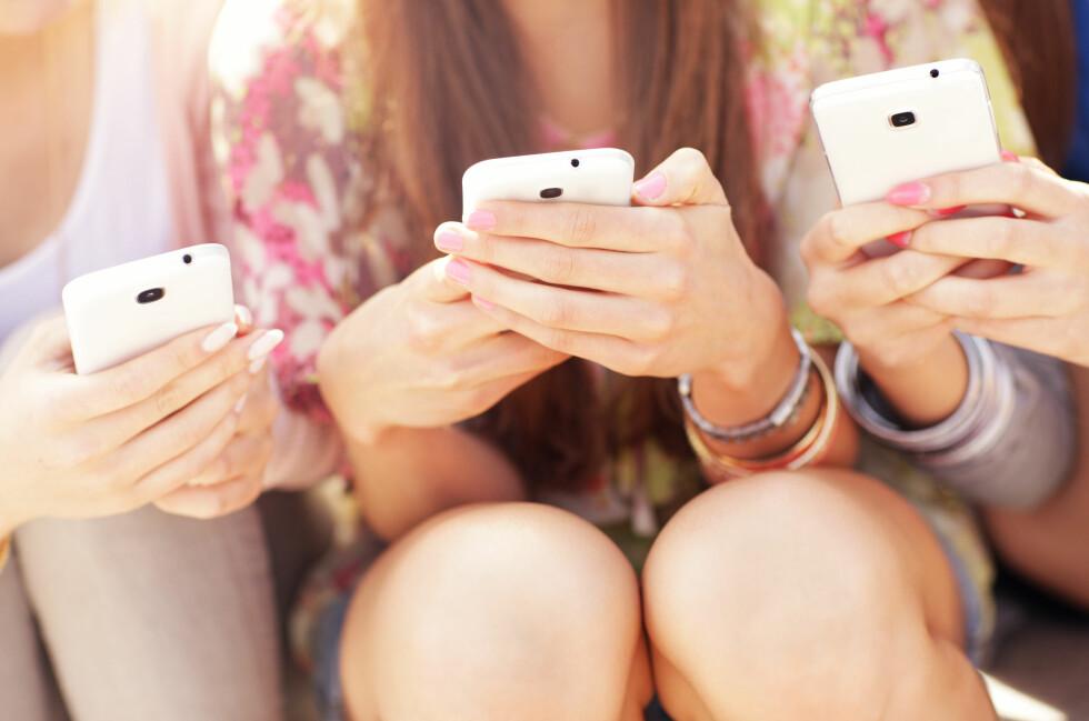 SURFORAMA: Bruker du mye data på mobilen, veldig mye, må du opp i pris. Vi gir deg oversikten over mobilabonnementene som har over 10 GB i måneden. Foto: SHUTTERSTOCK / NTB SCANPIX