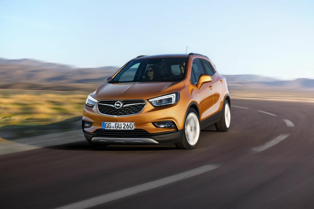 BARSKERE: Her ser vi nye Opel Mokka X - en røffere versjon av den oppgraderte Mokka som kommer til høsten. Foto: OPEL