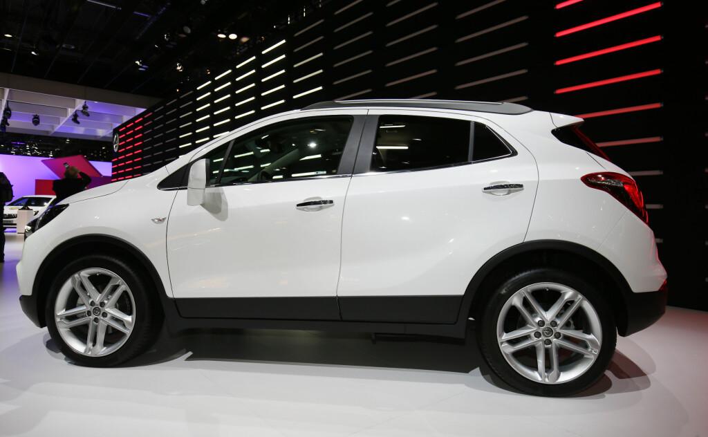 HØYREIST: De høye flankene går igjen også på den fornyede Opel Mokka-modellen. Foto: NEWSPRESS