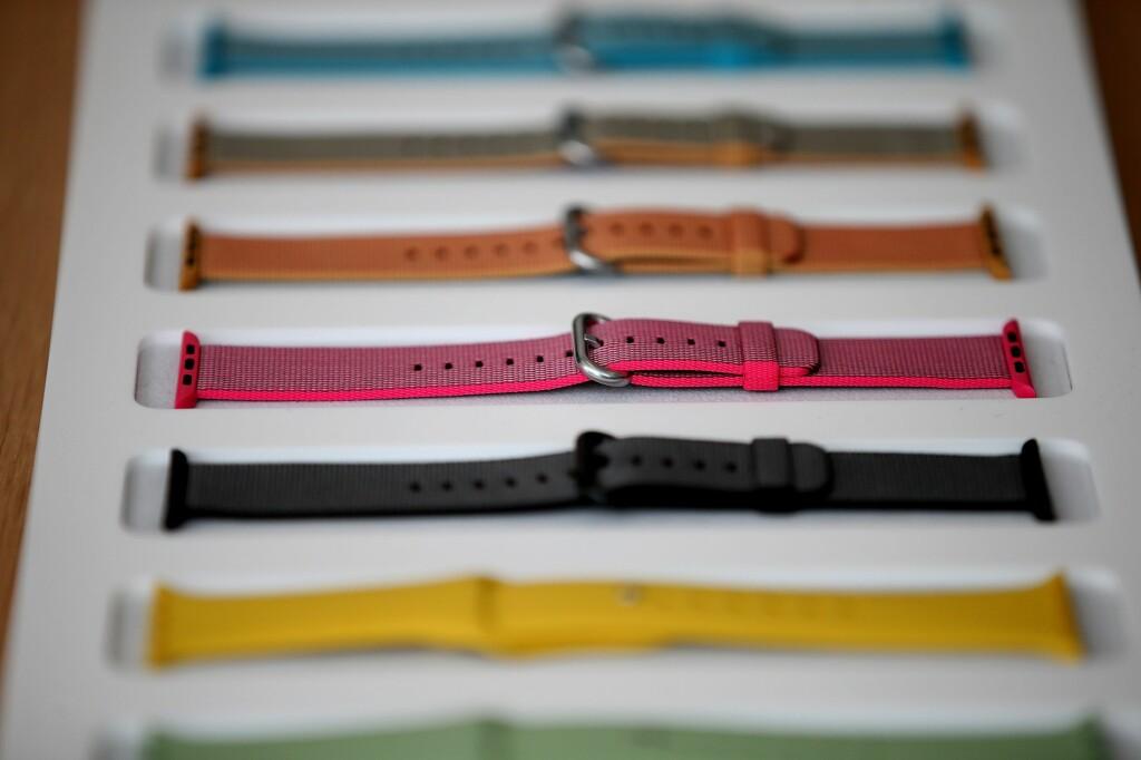 VÅRENS FARGER: Lei de gamle Apple Watch-reimene dine? Nå har du flere nye farger å velge mellom - samt en helt ny type i vevd nylon. Foto: Afp