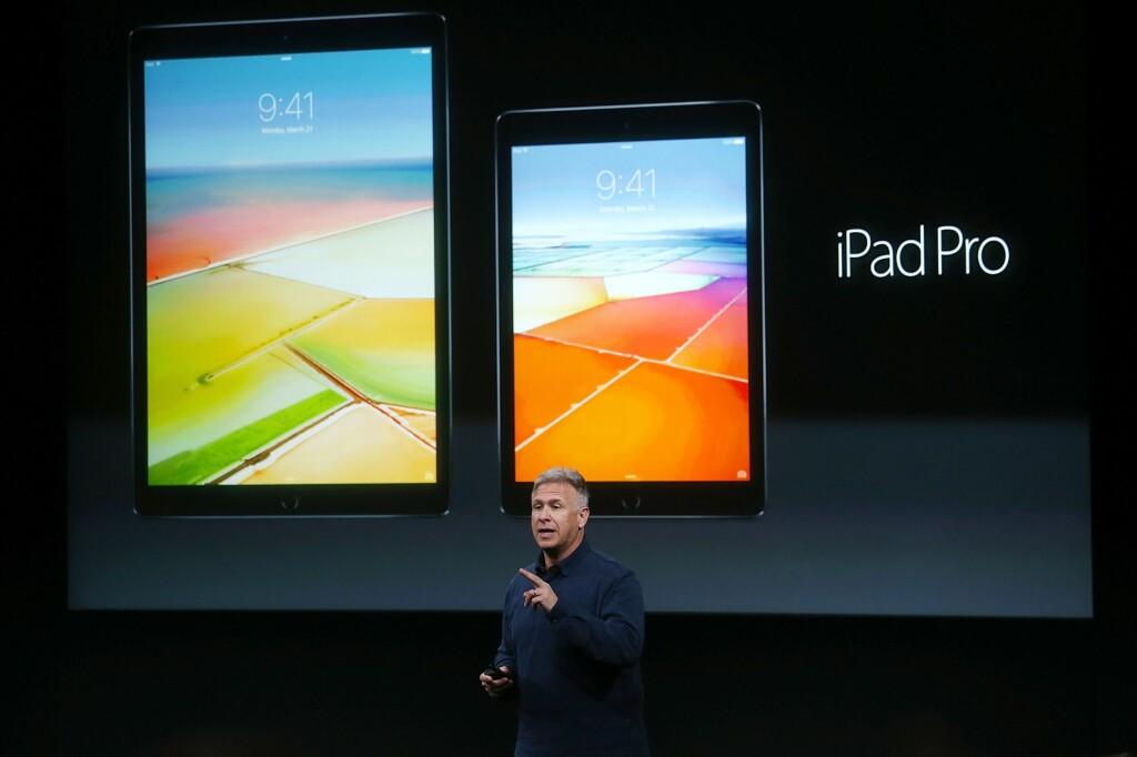 NY PRO: iPad Pro kommer nå i 9,7-tommersversjon som starter på 6990,- kroner for 32GB-modellen. Foto: Afp / NTB Scanpix