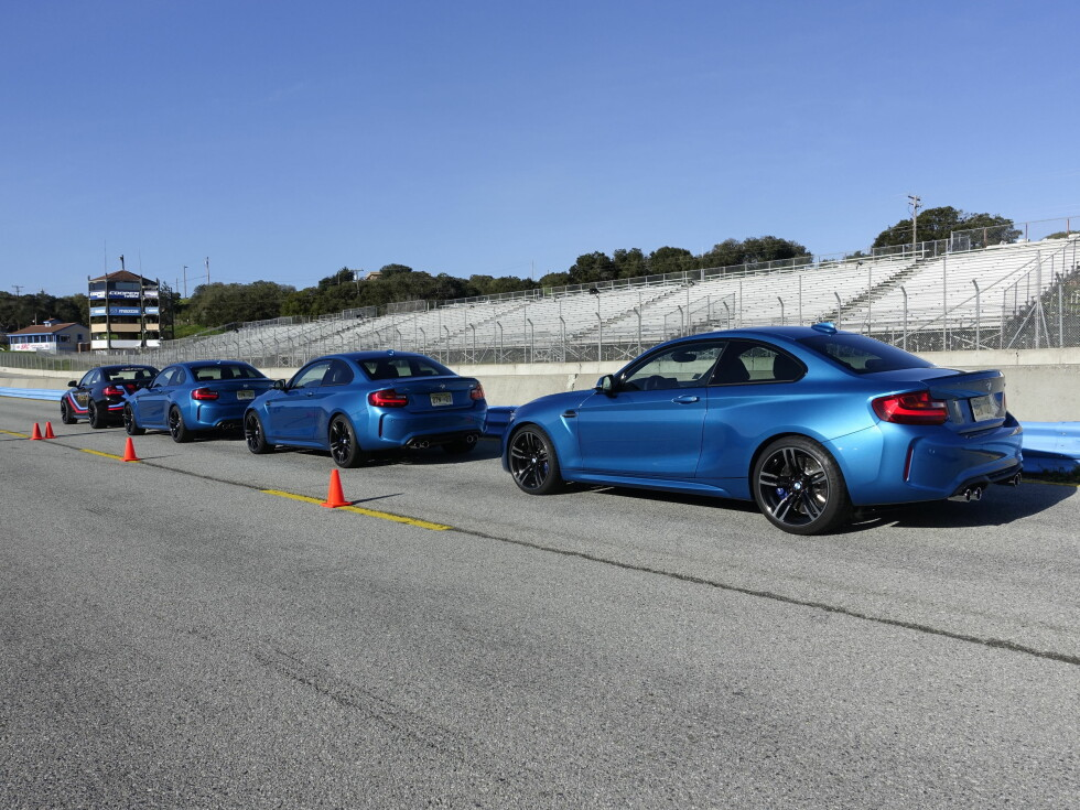 PÅ BANE: BMW valgte å presentere M2 på artige og krevende Laguna Seca Raceway. To fabrikksførere kjørte hver sin Pacecar og instruerte sporvalg og hastigheter rundt banen. De var absolutt ingen sinker dersom du sa du var en god sjåfør.                                Foto: BMW