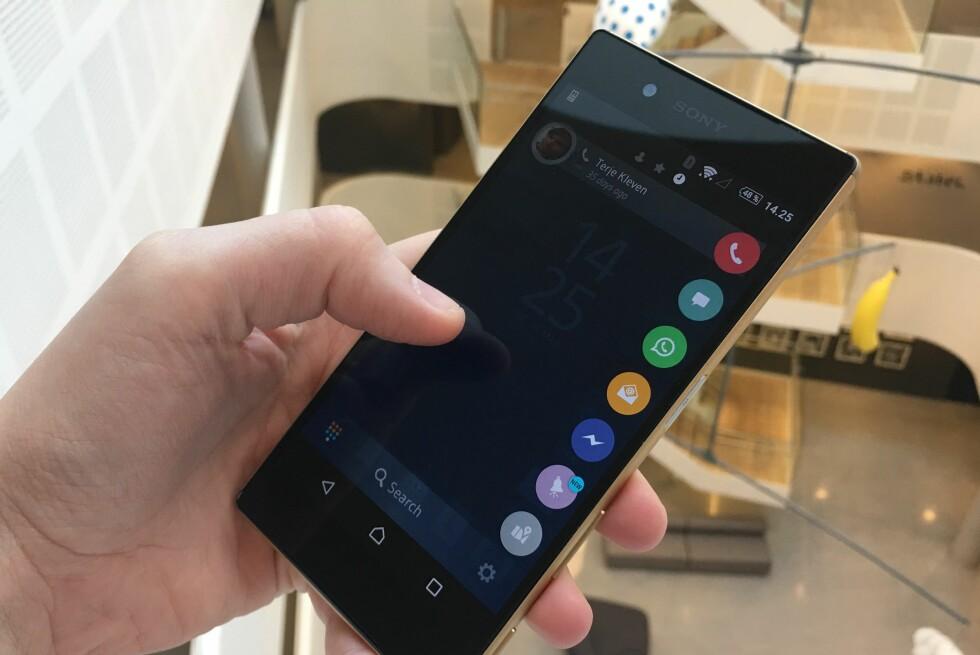 DRA OG SLIPP: Drupe gjør det enkelt å kontakte andre, enten det er via telefon, SMS, Skype eller hva det måtte være. Foto: KIRSTI ØSTVANG