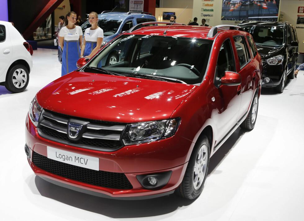 Dacia Logan 4-5 år gammel (2012):  Bilen ble ikke engang markedsført i Norge, og på Finn.no finner vi kun en pick-up. I Testen til TÜV hadde den hele 28,1 prosent i mangler, så det å importere denne til Norge er en generelt dårlig ide.  Foto: AP