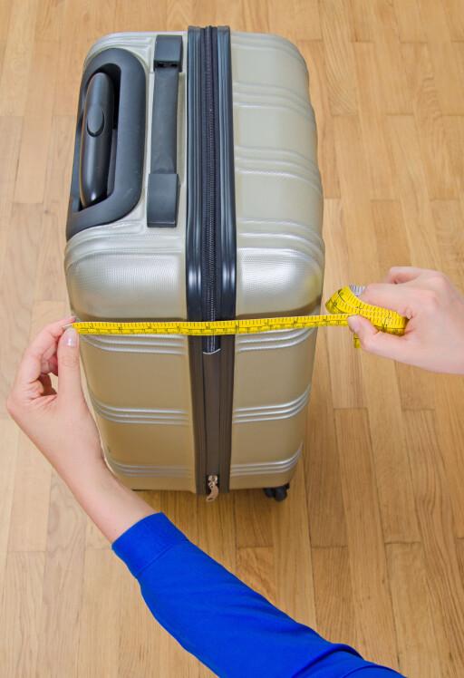 PASS PÅ MÅLENE: De forskjellige flyselskapene har forskjellige krav til vekt og mål på håndbagasjen. Og har du med deg for mye ombord, kan det koste deg ekstra. Foto: Shutterstock/NTB Scanpix