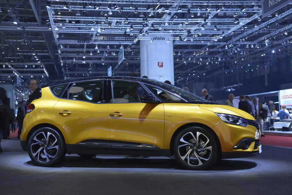 KORT OG LANG: Renault Scenic er den korte versjonen. Grand Scenic, som kommer senere, er den lange.  Foto: Jamieson Pothecary
