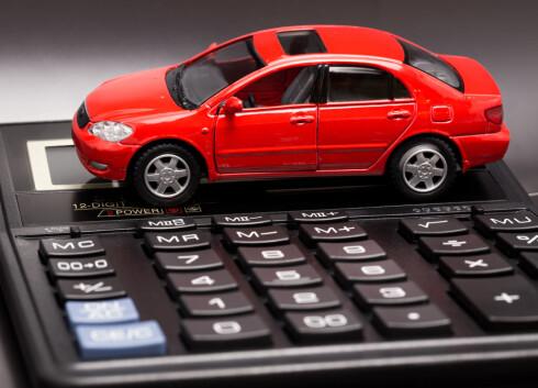 INNTEKSKILDE: 3,7 millioner kjøretøy i Norge betaler tilsammen over 10 milliarder kroner - bare i årsavgift.  Foto: SHUTTERSTOCK/NTB/SCANPIX