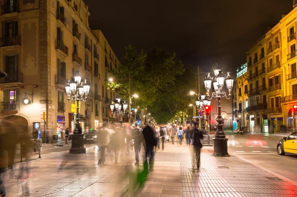 RANET: Mannen skal ha blitt grovt ranet i Barcelona, hvor han ble funnet naken av politiet. Mobilen som ble misbrukt ville daværende Netcom ha betalt for likevel.  Foto: MICROSTOCK / NTB SCANPIX
