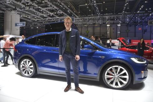 <strong><b>ELEKTRISK STEMNING:</strong></b> Den ferske kommunikasjonssjefen Even Sandvold Roland hos Tesla er svært fornøyd med endelig å kunne fortelle mer om den nye SUVen Model X.  Foto: JAMIESEON POTHECARY