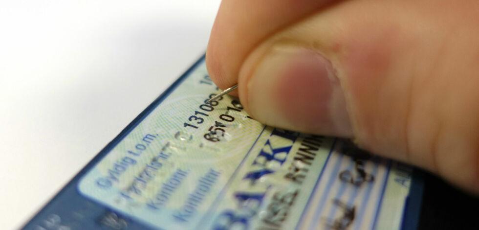 image: Slik forfalsker norsk ungdom ID-kort