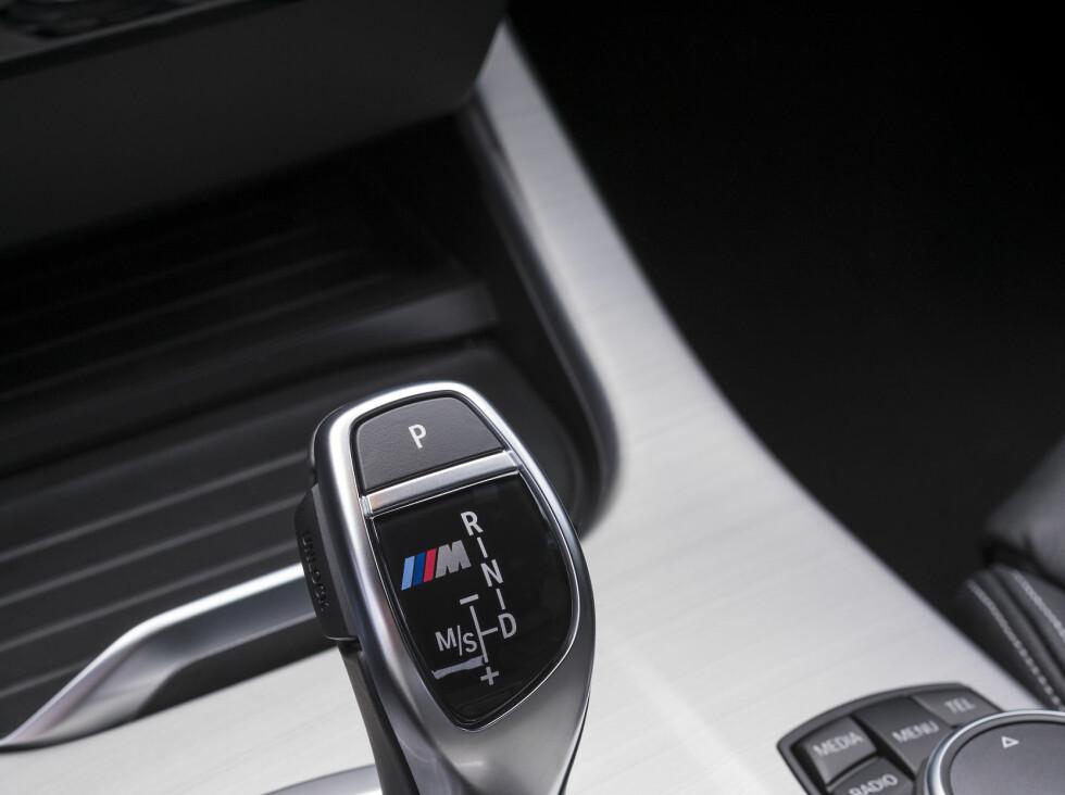 KVIKKERE KASSE: Steptronic-girkassen er tunet mer sportslig og gir deg en dytt i ryggen ved girvekslinger. Foto: BMW
