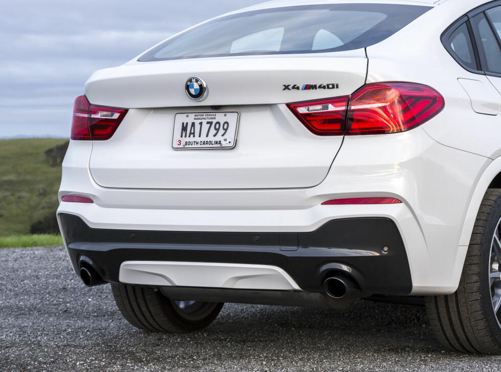 TO ETASJER: En smekker coupé-taklinje er ikke alltid like lett å kombinere med fassongen til en SUV. Det sorte feltet i fangeren klarer ikke helt å skjule høydeformatet. Foto: BMW