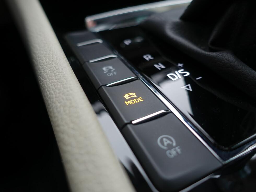 HUMØRSPREDER: Mode-knappen gir deg valget mellom Eco, Comfort, Normal, Sport og egendefinert. Det er store forskjeller. Foto: RUNE M. NESHEIM