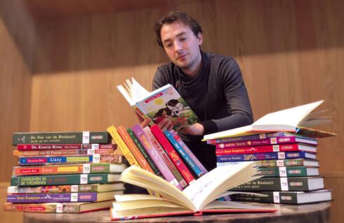GJORDE DET SELV: Designeren Christian Boer har selv dysleksi og lagde derfor en egen skrifttype som skulle gjøre det lettere å lese. Denne brukes nå i over 1.000 bøker.