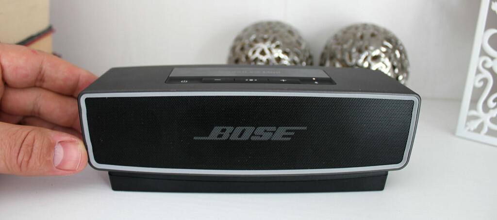 <b>GROMLYD I MINIFORMAT</B>: Bose SoundLink Mini II byr på svært god lyd til tross for den lille størrelsen. Foto: BJØRN EIRIK LOFTÅS