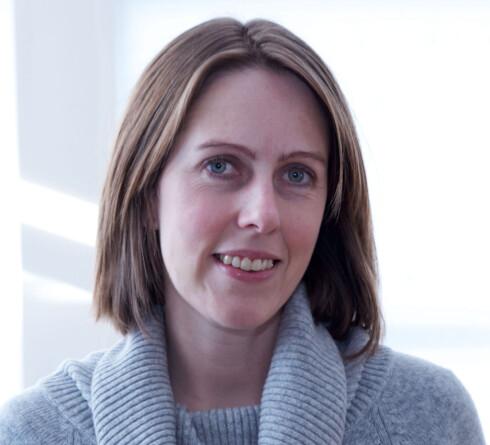 FRARÅDER: Ann Jeanette Myrland i RBI Interiør fraråder bruk av fete såper på parkett eller laminat. Foto: RBI INTERIØR