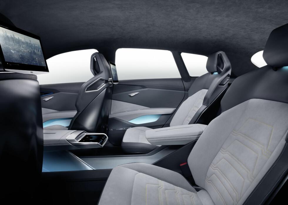 FOR FIRE: Dessverre har Audi foreløpig bare gjort plass til fire personer i bilen.  Foto: AUDI: