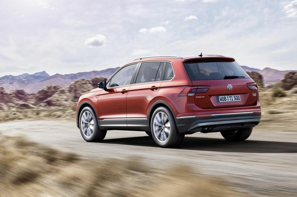 STØRRE OG BEDRE: Nykommeren er blitt større både på utsiden og innsiden. Vekten er redusert og bilen skal være forbedret på de fleste områder.  Foto: VW