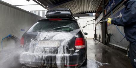 Tre kjappe tips til god vintervask av bilen