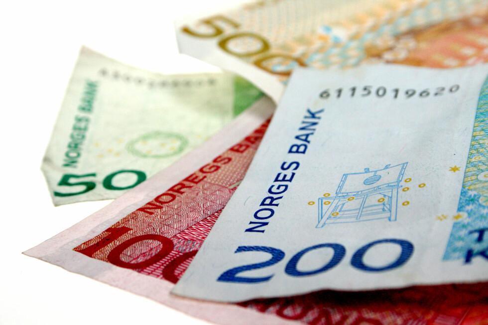 LURES FOR MANGE MILLIONER: Og det starter gjerne på Facebook. Foto: OLE PETTER BAUGERØD STOKKE