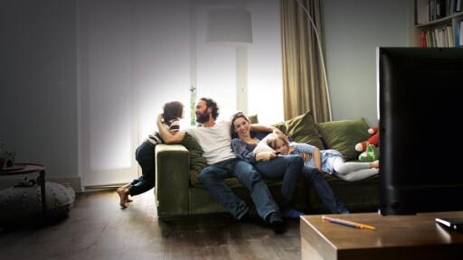 Du får mange timer foran TV-en for prisen av en dusj - som forsåvidt heller ikke er spesielt dyrt med dagens strømpriser. Foto: NETFLIX