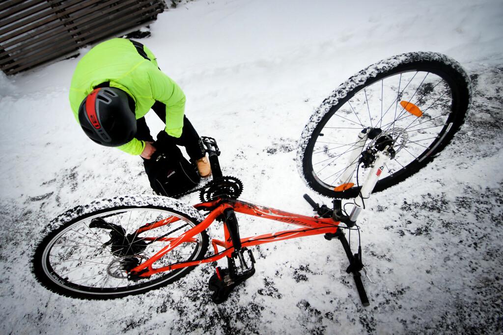 <b>VEDLIKEHOLD:</b> Sykkelen din krever noen ekstra grep om du skal bruke den i vinterkulda. Foto: OLE PETTER BAUGERØD STOKKE