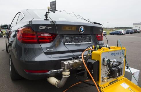 PEMS:  Det står for Portable Emissions Measurement System og er apparatene som må til for å teste utslipp i henhold til reelle kjøreforhold. Foto: SCANPIX/AFP PHOTO / JOHN MACDOUGALL