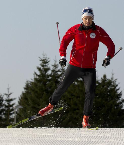 SPENN OG TEKNIKK: Anders Øen er kursansvarlig i Skiforeningen, og sier at korrekt spenn også avhenger av teknikk. Foto: SKIFORENINGEN