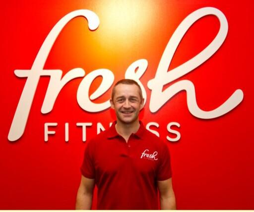 ROER SEG: Paal Hansem, administrerende direktør for Fresh Fitness AS, sier til Dinside at det ikke tar langt tid før kundemassen har fordelt seg mer utover åpningstidene. Foto: FRESH FITNES