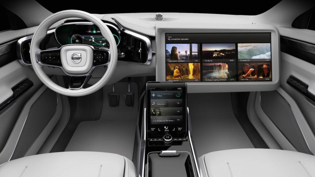 Concept 26 fra Volvo og Ericsson, for deg som synes det er morsommere å ha øynene på en skjerm enn på veien. Foto: VOLVO