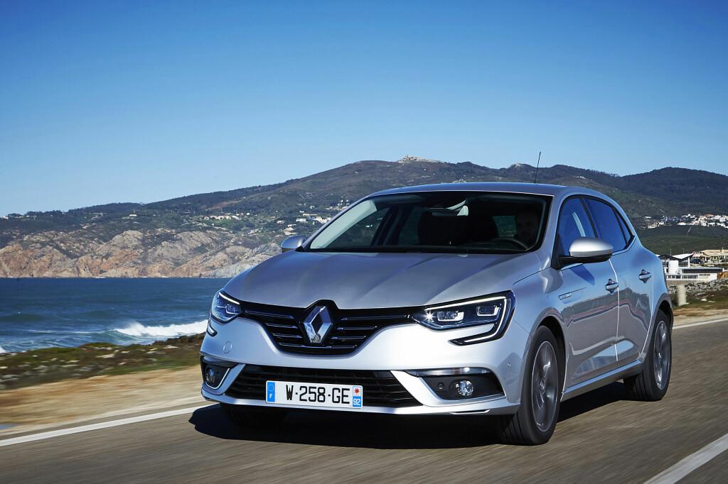 <b>KOMMER:</b> Her er en av grunnene til at Renault vil fortsette å klatre på salgsstatistikken i 2016. Golf-konkurrenten Mégane kommer til våren og senere på året kommer nok en viktig ny Renault-modell: Passat-konkurrent Talisman. Foto: RENAULT