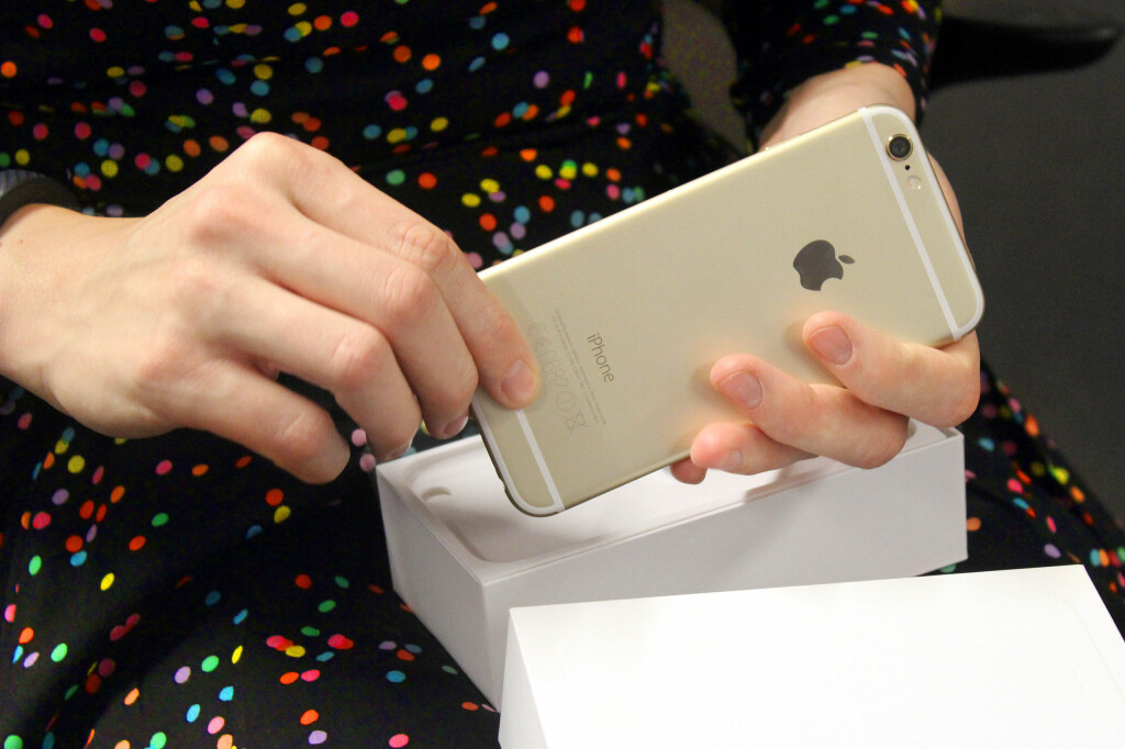 <b>HVA NÅ?</b> Du har pakket opp din nye smarttelefon, men hva er det neste? Her er noen tips fra oss! Foto: OLE PETTER BAUGERØD STOKKE