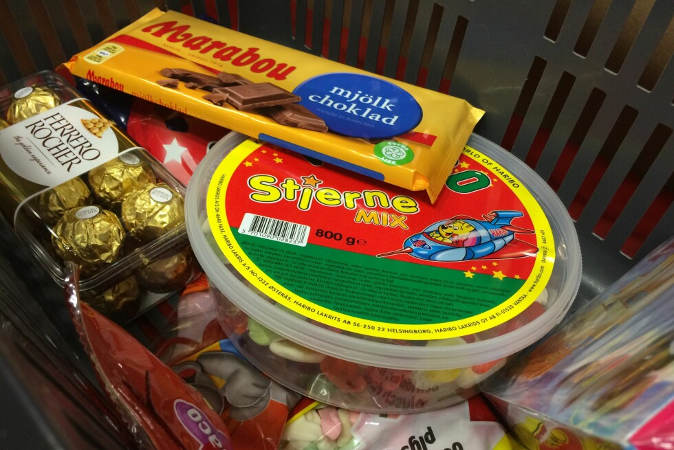 BILLIG GODTERI: Det er lave priser på godteri i Sverige, men hvilken butikk bør du velge? Foto: BERIT B. NJARGA