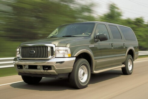 FORD EXCURSION Foto: FORD