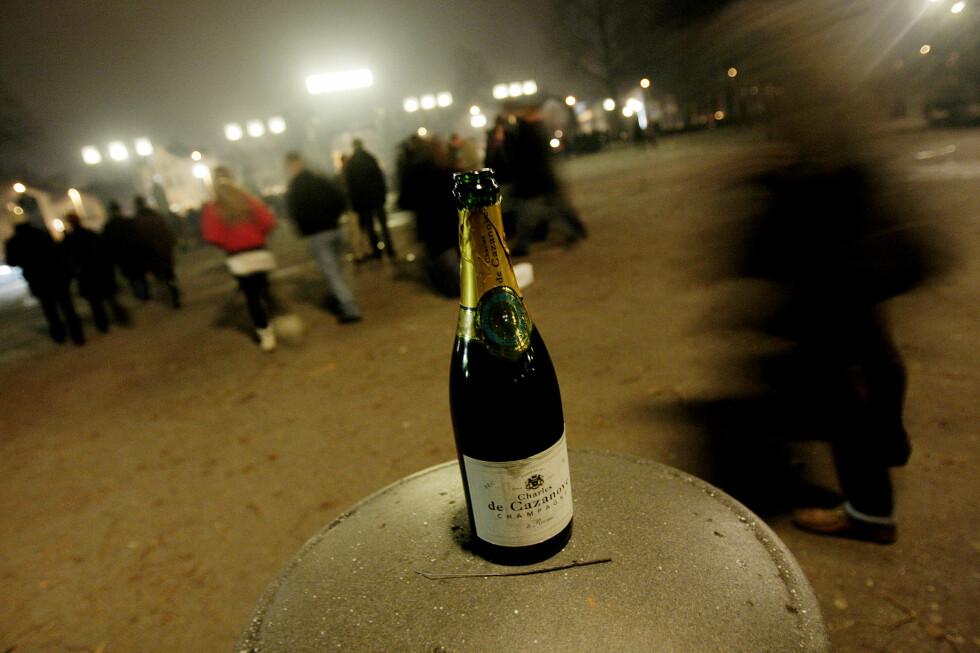 IKKE VENT: Skal du ha champagne på nyttårsaften, må du handle i god tid før nyttårsaften; polet vil holde stengt også i år. Foto: STIAN LYSBERG SOLUM / NTB SCANPIX