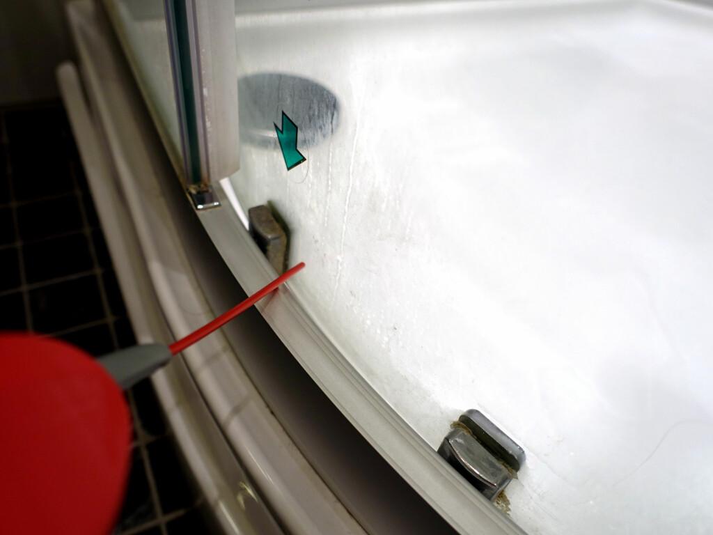 FØR: Her er det vanskelig å komme til for å få vasket helt rent. Foto: KRISTIN SØRDAL
