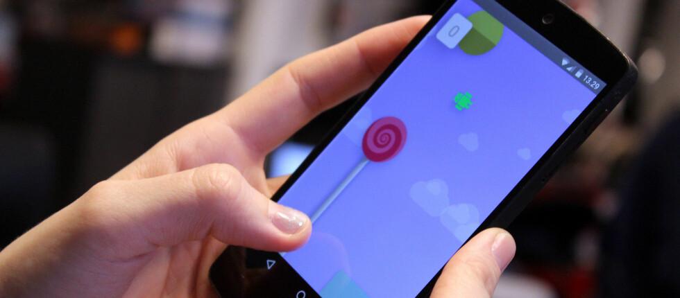 LOLLIPOP: Nexus-telefoner får alltid Android-oppdateringene først, men hvorfor tar det så lang tid for oss andre? Foto: OLE PETTER BAUGERØD STOKKE