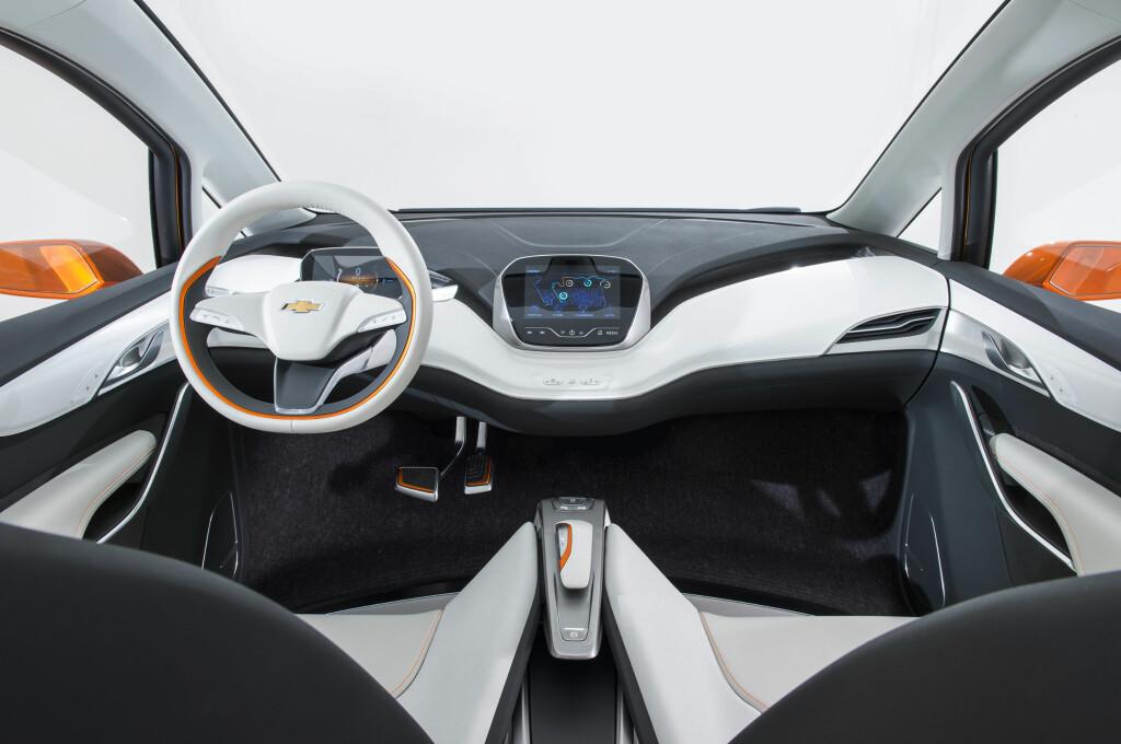 SPACEY: Vi regner med at interiøret vil inneholde elementer fra konseptbilen som ble vist i fjor (bildet), men bli hakket mer nøkternt. Foto: Chevrolet