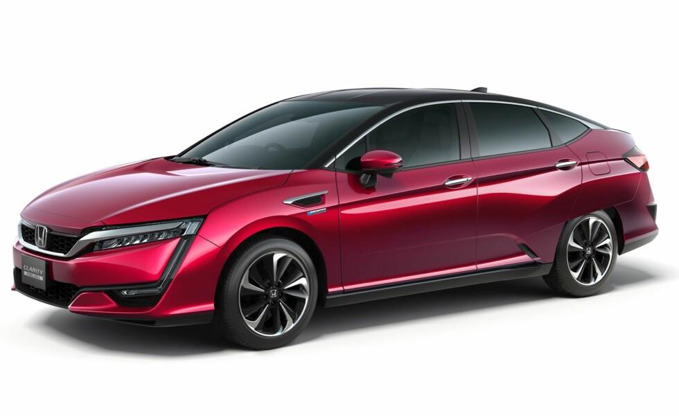 DEN ANDRE: Honda har vist frem andre generasjon av hydrogenbilen Clarity.  Foto: HONDA