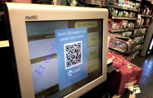BETALINGSTERMINALEN: En QR-kode dukker opp i kassa, som kan leses av mCash-appen.  Foto: OLE PETTER BAUGERØD STOKKE