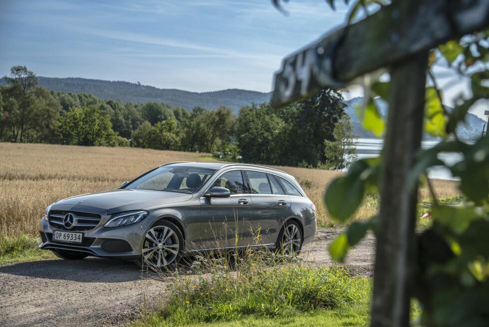 RØVERKJØP: Dersom ikke Mercedes foretar en prisjustering, vil hybriden C 350 e koste latterlig lave 455.000 kroner Foto: JAMIESON POTHECARY