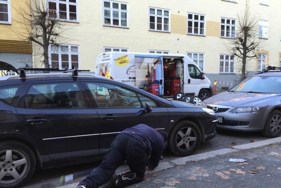 MOBILE: Med et mobilt verksted er det enkelt å få både dekk og hjul skiftet. Foto: FREDRIK ANTONSEN (PRIVAT)