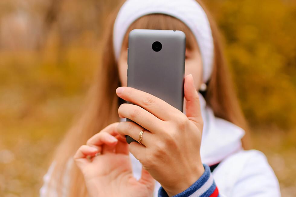 GODE TIPS: Synes du det er vanskelig å ta mobilbilder? Her finner du ti kjekke tips. Foto: MATRIX_MET / SHUTTERSTOCK / NTB SCANPIX