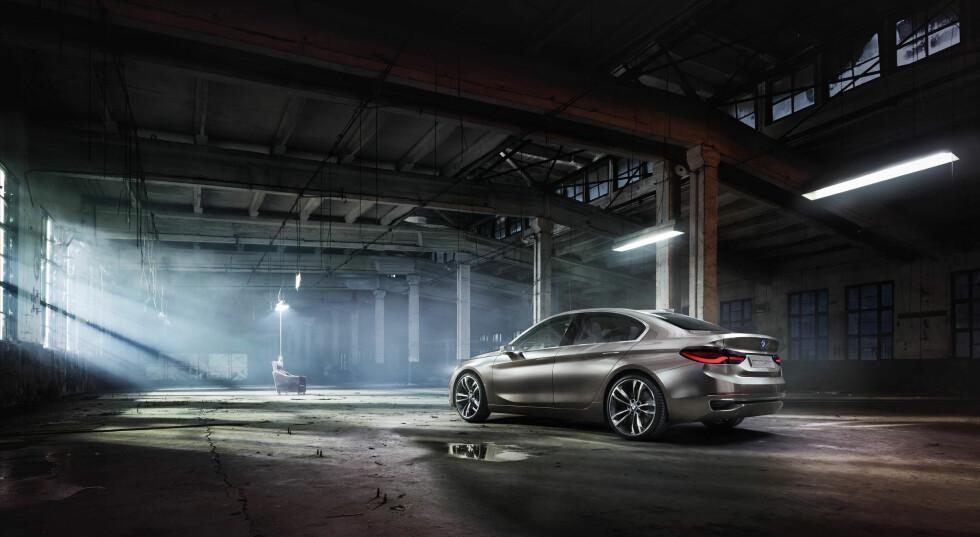 BMW viser Compact Sedan - Mercedes CLA i siktet