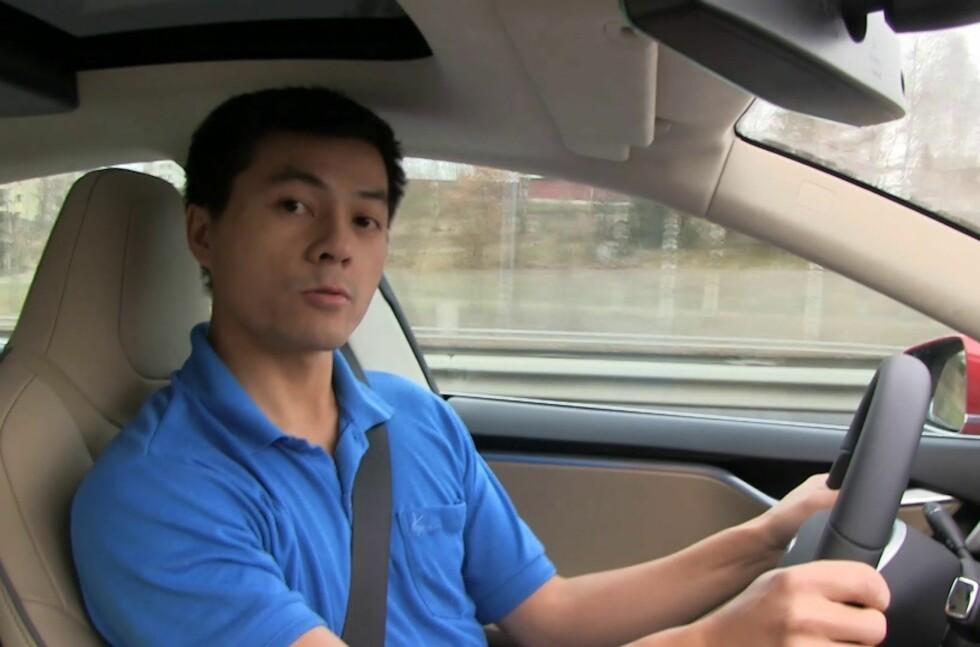 EUROPEISK VINNER: Bjørn Nyland forteller på Youtube om både nedturer og om (mest) oppturer i sin Tesla Model S. Nå har han takket være Teslas store vervekampanje vunnet en eksklusive utgave av den kommende SUV-en, Model X. Foto: YOUTUBE