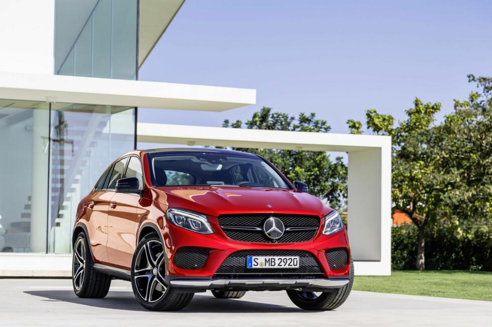 MÅ VENTE ET ÅR:   Ønsker du deg den nye Mercedes-Benz GLE må du belage deg på å vente til våren for å hente den ut av butikken.  Foto: DAIMLER