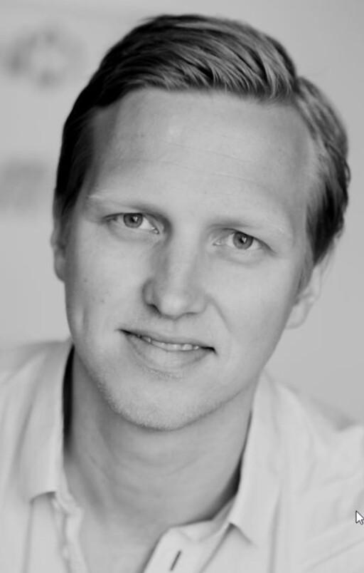 Henrik Gustav Faller er kommunikasjonssjef hos Opera. Foto: OPERA